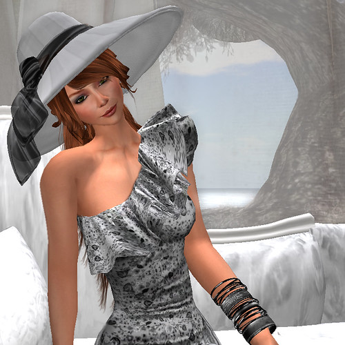 Pensive - A Linden for her thoughts . . .