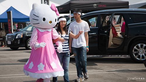 2011 Cherry Blossom Festival, Day 2: Escorted Kitty