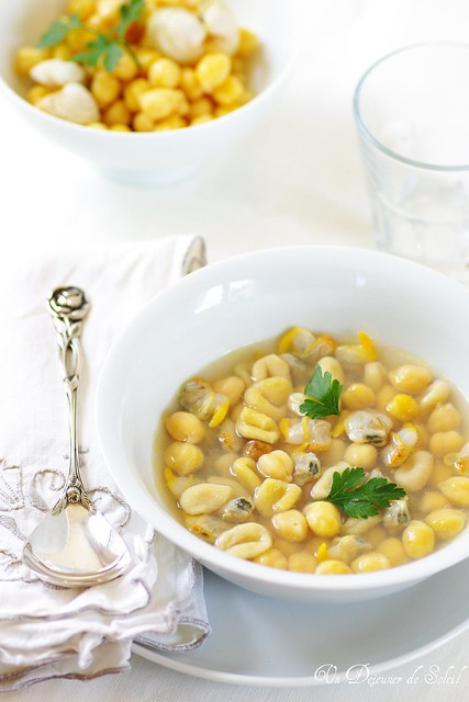 Zuppa di ceci con orecchiette e vongole - Pasta, chickpeas and clam soup