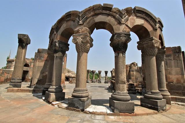 Ruines de la cathédrale de Zvartnots, Erevan, Arménie