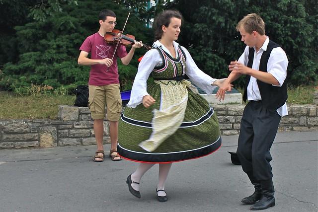 Danse folklorique, Budapest