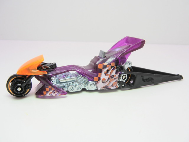 hot wheels fright bike purple (2)