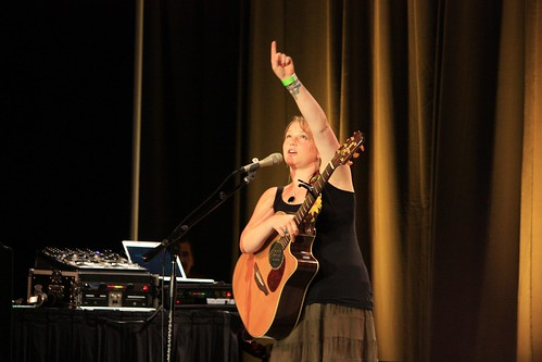 Crystal Bowersox concert