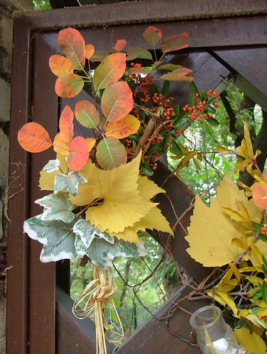 Autumn gate decoration