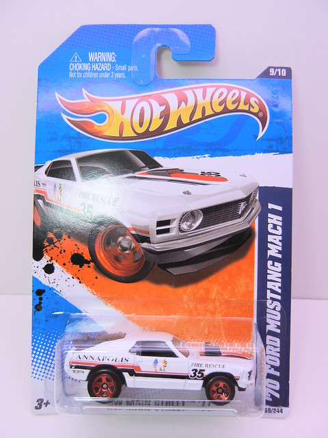 hot wheels '70's ford mustang mach 1 white (1)
