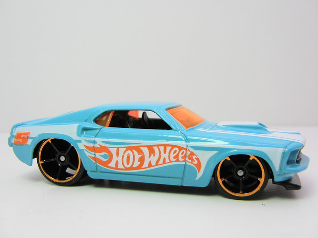 2011 hot wheels mystery cars blind pack (3)