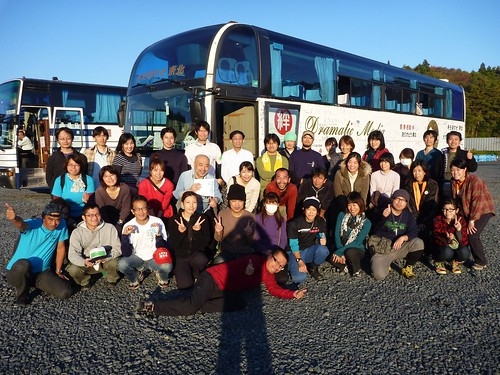 南三陸町戸倉波伝谷でボランティア(レーベン1号) Volunteer at Tokura, MInamisanrikucho, Miyagi pref. Deeply Affected by the Tsunami