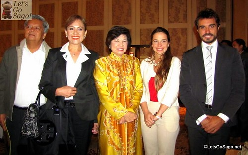 Dr. Ng Yen Yen with Gala Dinner Guests