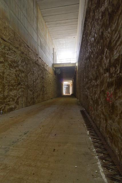 Interior de los viales por donde tiene que circular el AVE - 04-10-11