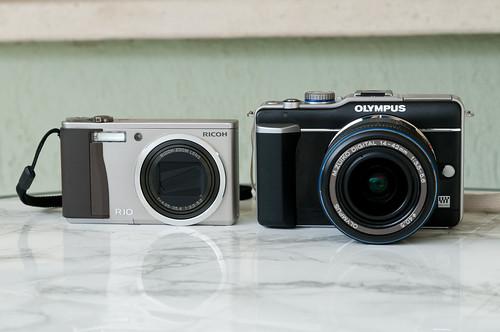 Olympus E-PL1 y Ricoh R10