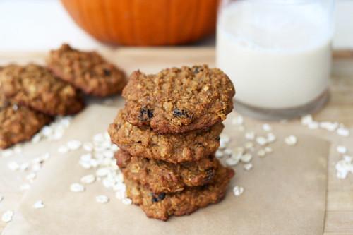 Chewy Pumpkin Oatmeal Raisin Cookies (Gluten-Free)