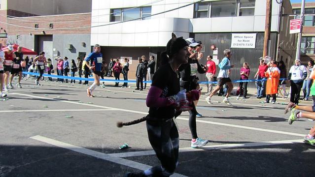 ingnycm2011. costumed runner - mouse.
