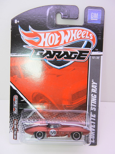 hot wheels garage corvette sting ray (1)