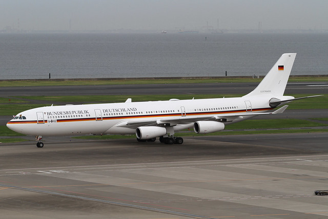 German Air Force A340-300(16+02)