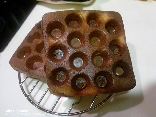 用Moffle多功能麻糬/鬆餅機烤出來只有一面比較好看的鬆餅。