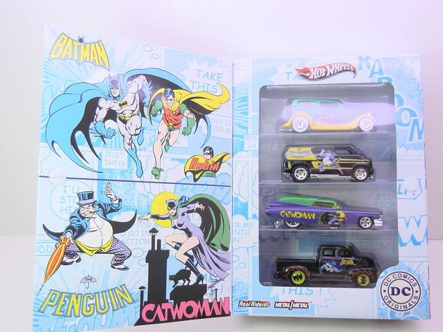 2011 hot wheels dc comics nostalgia 4 pack 1 (2)
