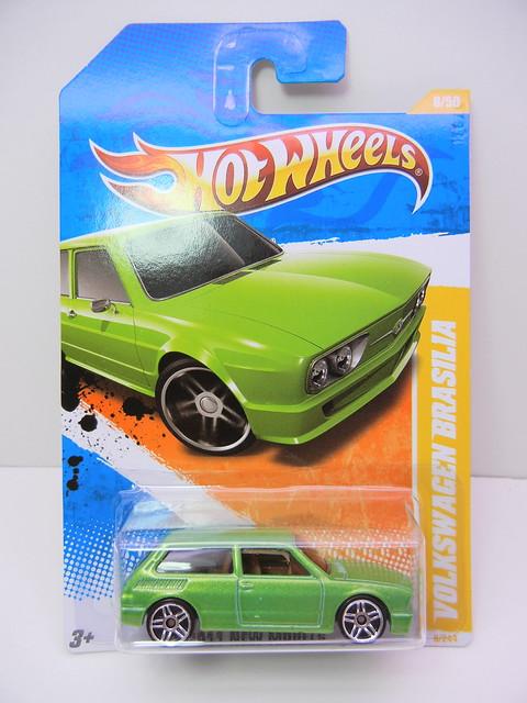 hot wheels volkswagen brasilia green (1)