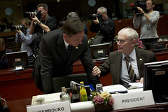 President Van Rompuy talks to the Prime Minist...