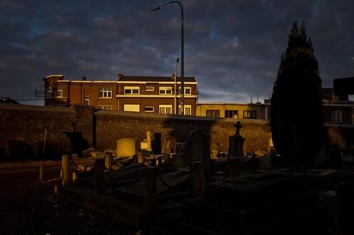 Les Vivants et les Morts (Cimetière de Robermont) - Photo : Gilderic