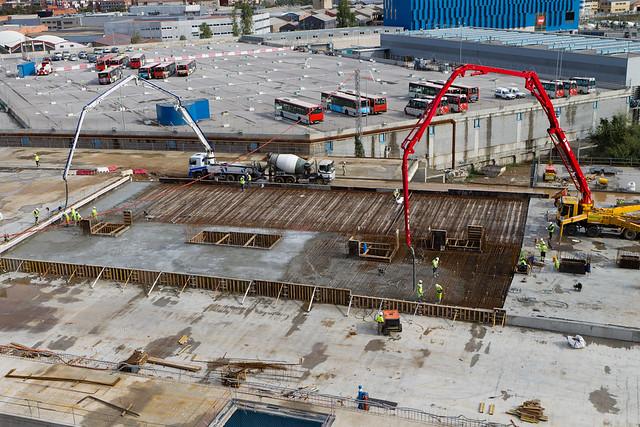 Hormigonando una de las últimas cubiertas del Triangle Ferroviari - 07-11-11
