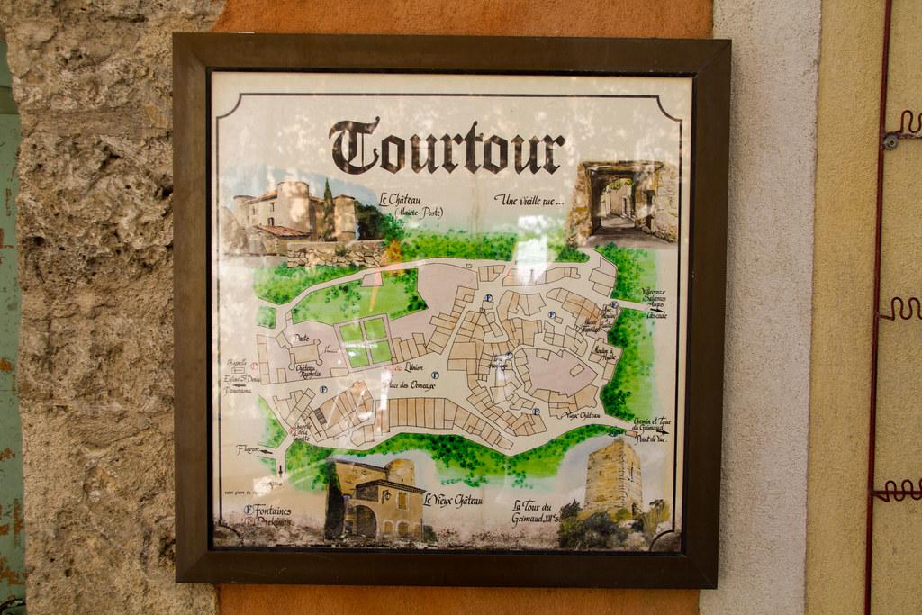 """alt=""""Tourtour"""
