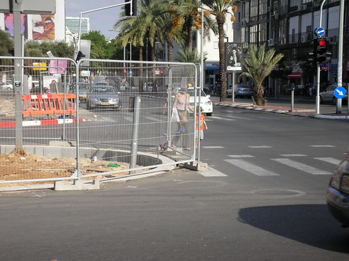 Risky Closure for renovation in Tel-Aviv