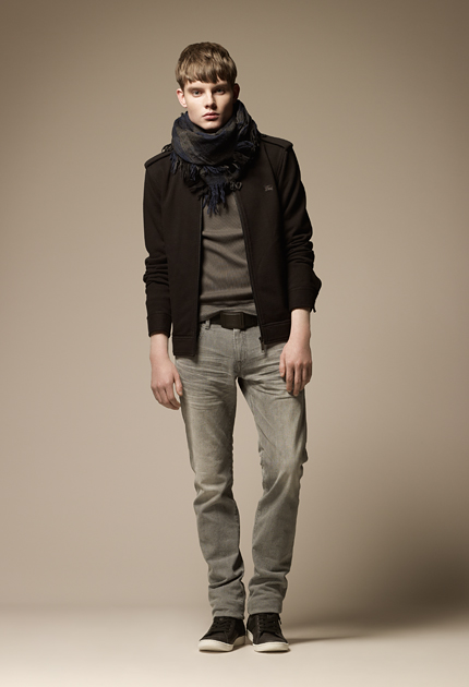 Stany-Marks Stanworth0091_Burberry Blue Label Fall 2011
