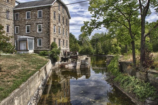 MacArthur Woolen Mill