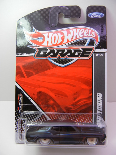 hot wheels garage '70 ford torino  (1)