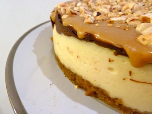 caramel hazelnut chocolate cheesecake