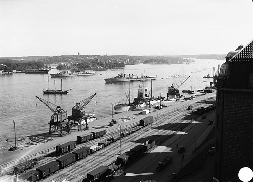 View over Stockholm harbour 1932 by Stockholm Transport Museum Commons