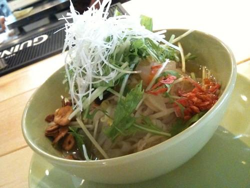 タイ風温麺フォーガー 850円