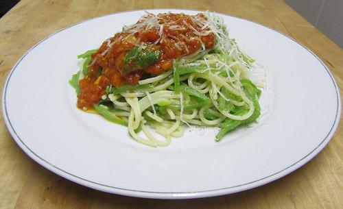 Runner bean spaghetti with fresh tomato sauce