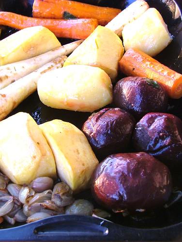 ungsbakade rotfrukter med ginger&mynta olja - baked roots with ginger &mint oil - tuberi al forno con olio aromatico allo zenzero e menta