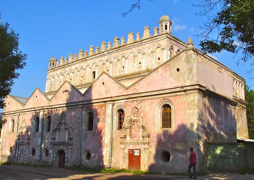 Zhovka pink synagogue 2_1