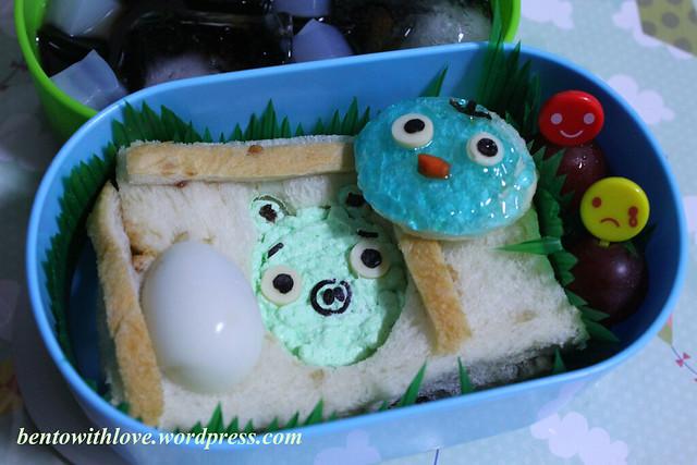Angry Bird's Pig and Blue Bird Bento