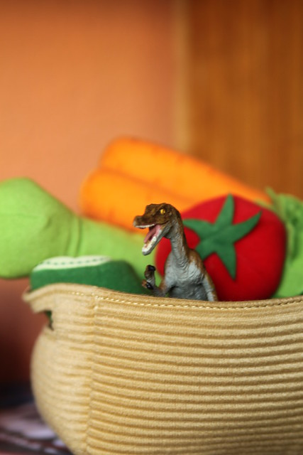 Veciloraptor is not into sharing her vegetables