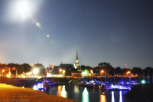 Saint-Michel-by-night