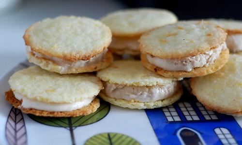 early grey tea ice cream sandwiches