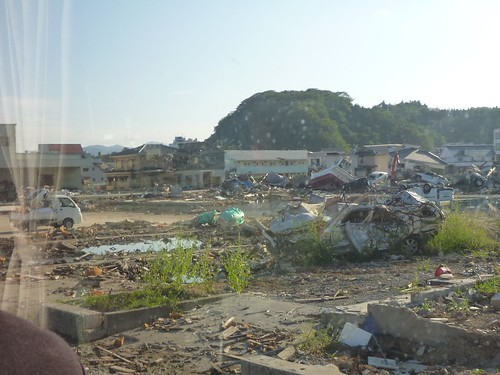 気仙沼, 陸前高田でボランティア (「手を貸すぜ 東北」レーベン隊) Japan Earthquake Recovery Volunteer at Rikuzentakata, Iwate pref. Deeply Affected Area by the Tsunami