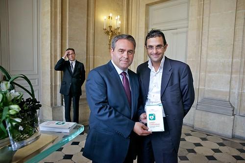 Xavier Bertrand (Ministre du Travail, de l'Emploi et de la Santé) et Arash Derambarsh by Arash Derambarsh