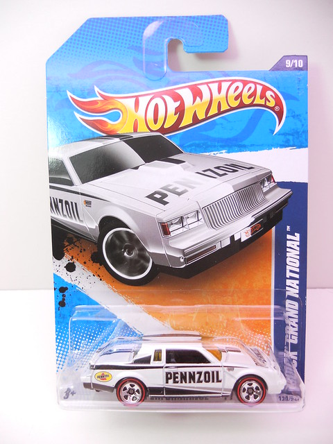hot wheels buick grand national white (1)