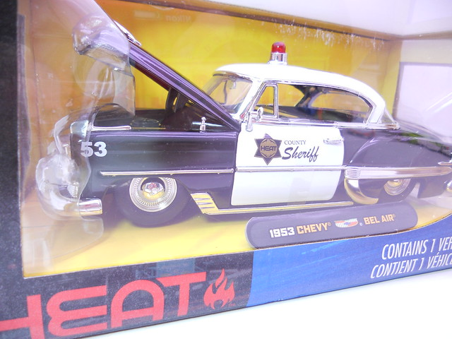 jada toys HEAT 1953 chevy bel air (2)