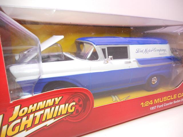 johnny lightning 1957 ford sedan courier delivery blue (2)