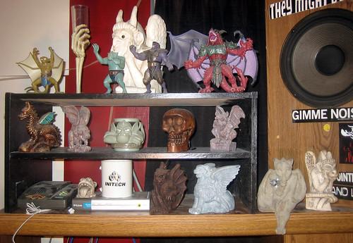 20110717 - yard sale booty - 1 - $1 black shelf - before earthquake - IMG_3202