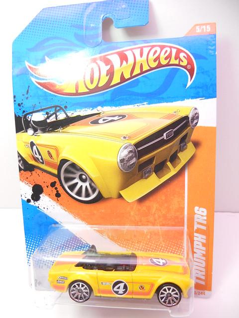 hot wheels triumph tr6 (1)