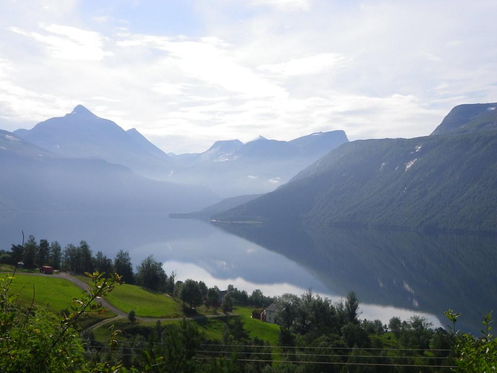 Utsikt over Eresfjord