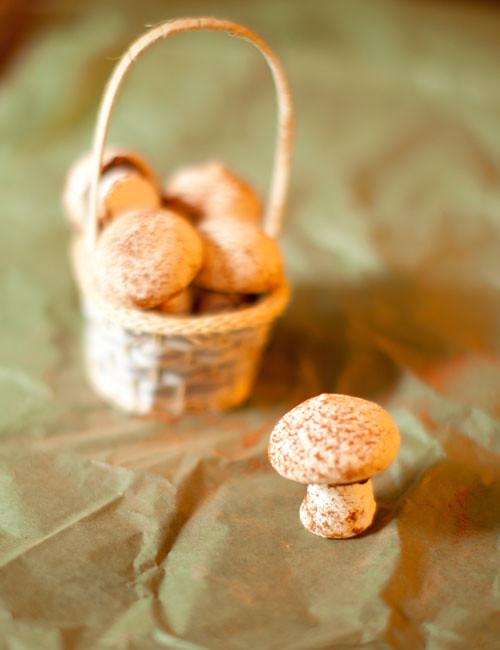 5_Meringue_ mushrooms