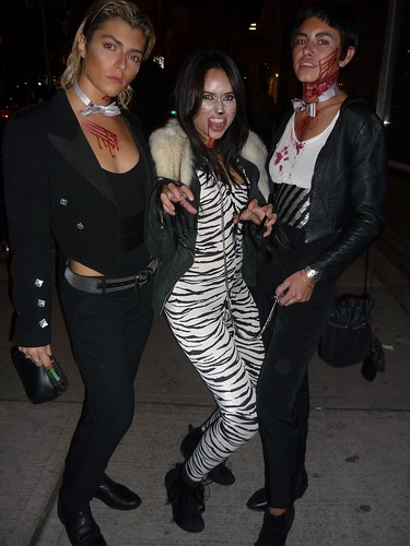 Siegfried and Roy's Hot Betches