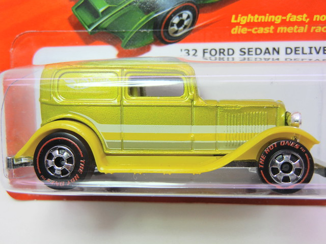 hot wheels hot ones '32 ford sedan delivery redline chase (2)